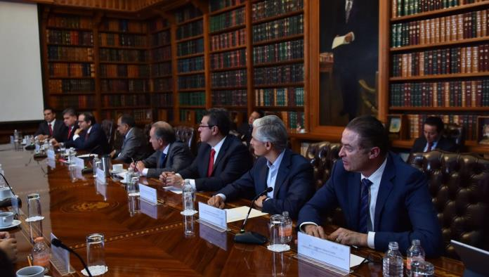 Se reúne Navarrete con gobernadores del PRI