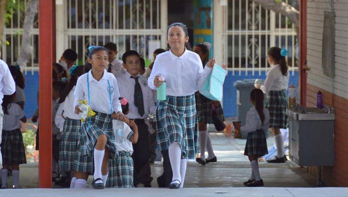Miles de alumnos en el Estado de Coahuila regresaron a clases el día de ayer.