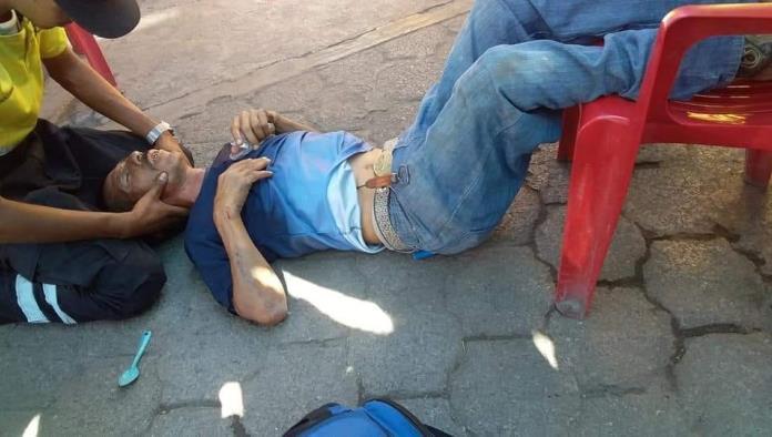 Luis Cabrera Hinostroza se apuñaló en dos ocasiones con un picahielo en medio de la fayuca.