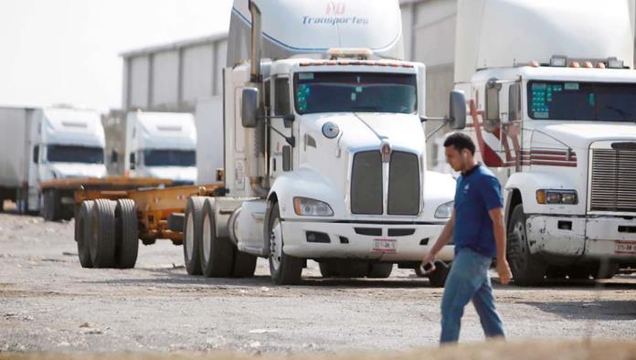 La ola de inseguridad que azota a estados del centro de México ha alcanzado al autotransporte de carga.