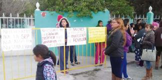 Arman 'revolución' por falla en escuelas