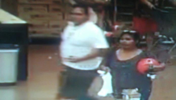 En las cámaras de seguridad quedaron plasmadas imágenes de la pareja que presuntamente habría generado los incendios.