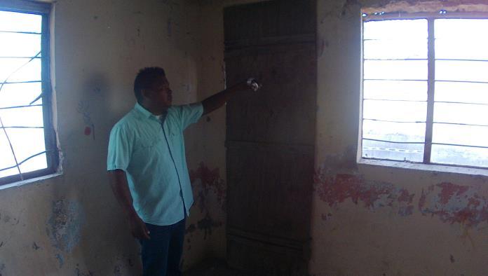 José Manuel Zamarripa, explicó por dónde entró el sujeto a su domicilio.