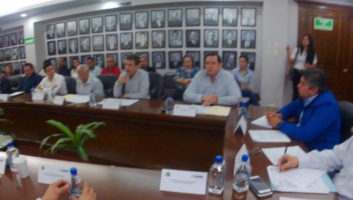 El regidor Roberto Rábago exigió al Alcalde resultados reales e informes sobre el manejo de cheques a favor de diversos funcionarios.