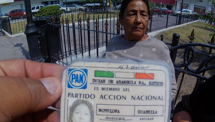 Dijo que desde 1977 ha sido militante activa del PAN.