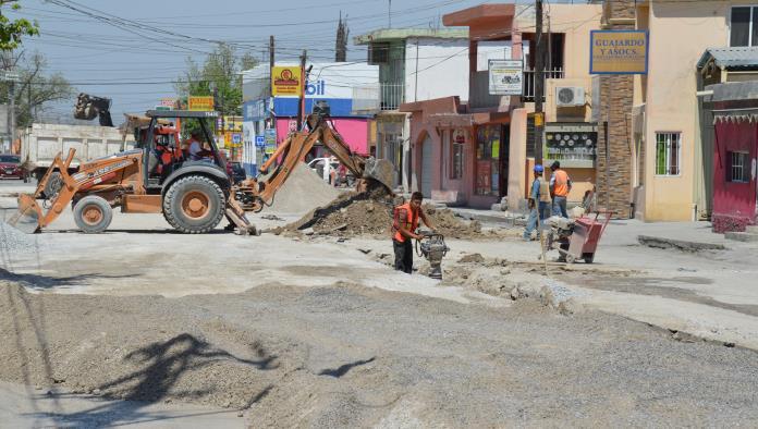 SIMAS realiza las reparaciones faltantes en la calle Cuauhtémoc de la colonia El Pueblo.
