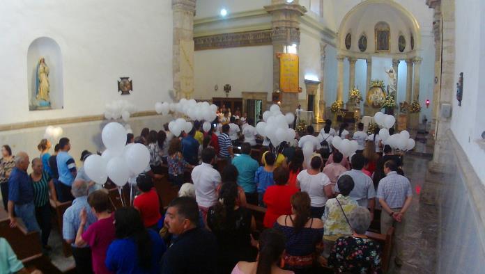 La Iglesia católica ayer vivió el Domingo de Resurrección.