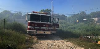 Alarma por tapias en llamas