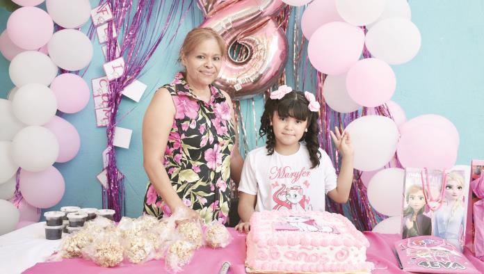Marifer cumple ocho años