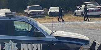 Cesan  a tres policías
