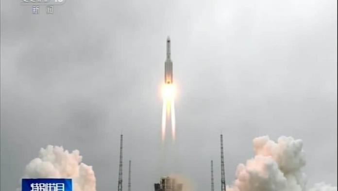 China lanza su primer módulo para construir su estación espacial permanente
