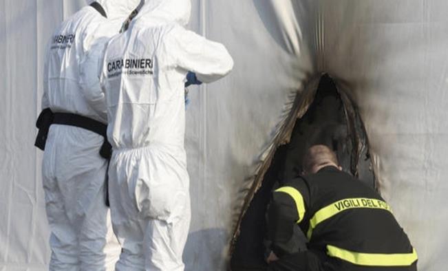Dos personas fueron detenidas en Italia por incendiar un centro de vacunación