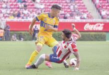 Saca Chivas empate
