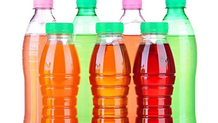 Profeco halla bebidas saborizadas con más azúcar que un refresco y con sólo 1% de jugo
