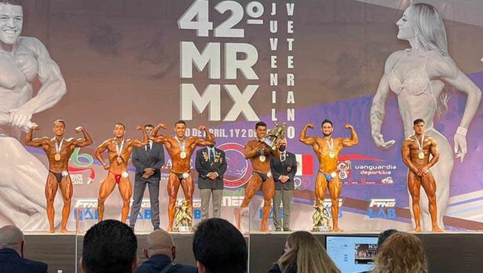 Triunfan Emilio García y Héctor Mario Menchaca en Mr. México Clásico 2021