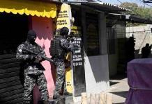 Balacera entre policías y narcos deja 25 muertos en Río de Janeiro