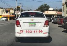 Piden trabajo como taxistas