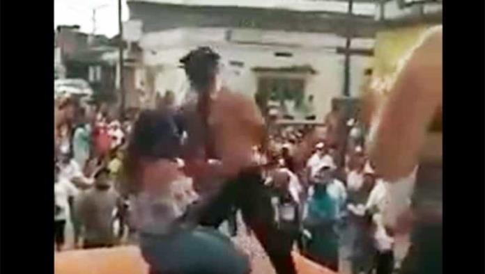 Candidato de RSP contrató a bailarines exóticos para cierre de mitin
