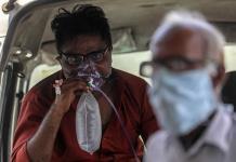 Con 414,188 nuevos casos de COVID-19 India bate nuevo récord