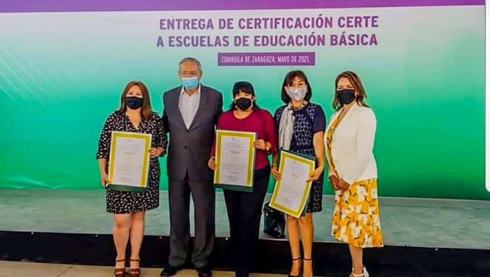 Certifican escuelas con CERTE