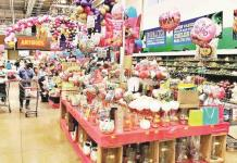 Abarrotan tiendas por 10 de mayo