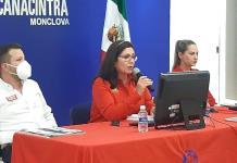 Proyectos alcanzables presenta candidata Lupita Murguía a empresarios