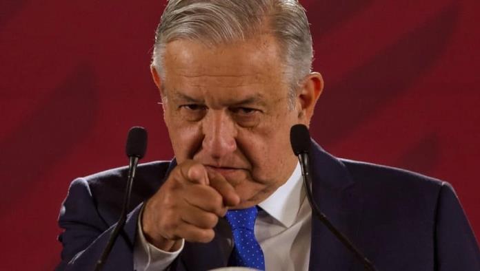 The Economist arremete contra AMLO, lo comparan con Jair Bolsonaro