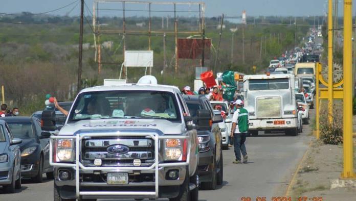 Reúne 'Gachupín' tres mil vehículos