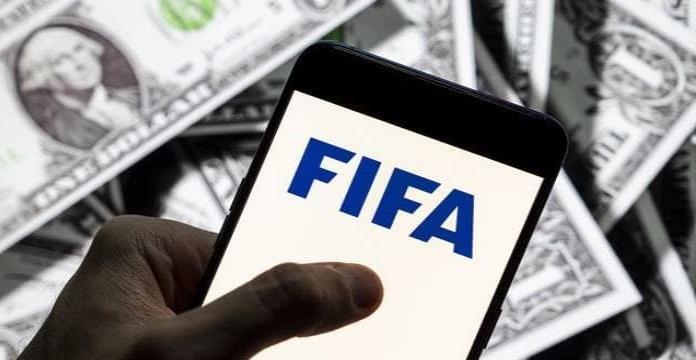 FIFA y CONMEBOL: Banco suizo lavó millonarios sobornos para sus funcionarios; lo multan