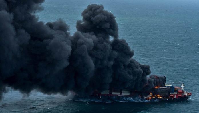 Sri Lanka frente al peor desastre ecológico marino tras incendio de un buque de carga
