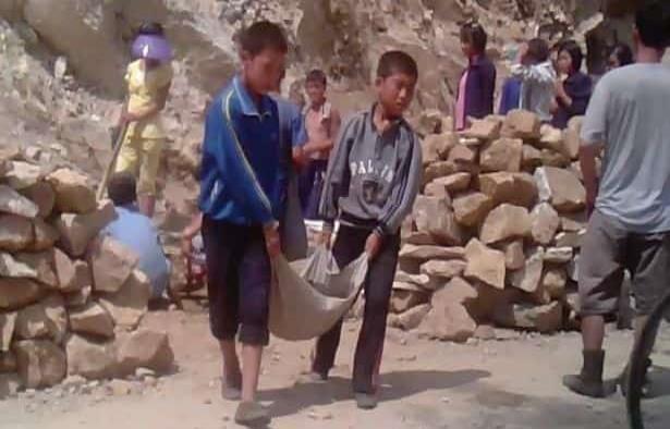 Corea del Norte afirma que niños trabajando en minas es por su voluntad