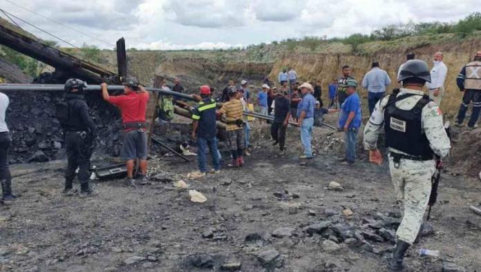 Instruye Andrés Manuel López Obrador ayuda a trabajadores atrapados en mina de Coahuila
