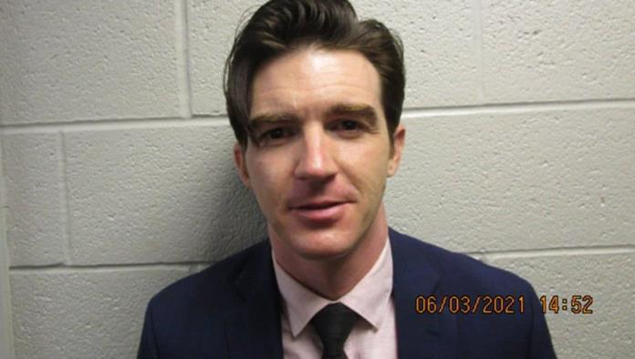 Drake Bell es arrestado en Ohio; es acusado de poner en peligro a unos niños
