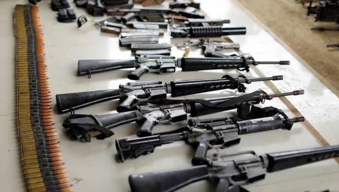 Revocan veto a armas de asalto en California