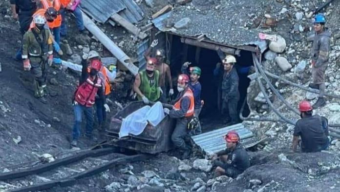 Llegan rescatistas al fondo de la mina