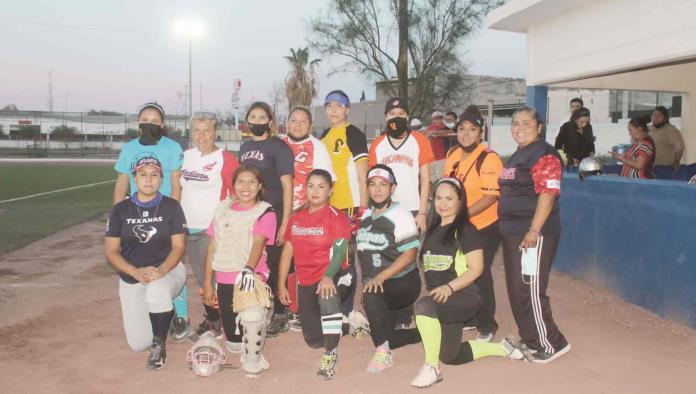 Bulldogs campeonas de la Liga Municipal