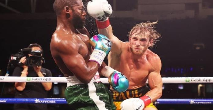 Floyd Mayweather decepciona en pelea ante Logan Paul