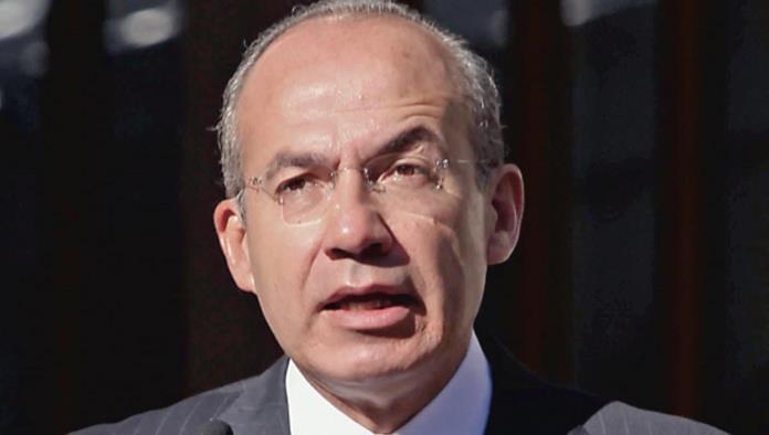 Reportan al ex presidente Felipe Calderón hospitalizado por COVID-19
