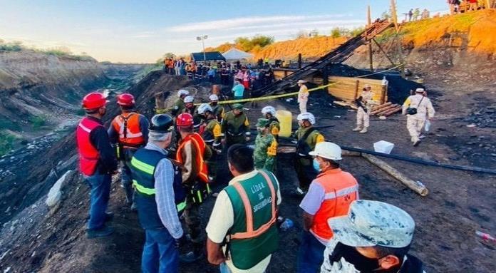 Siguen trabajos de rescate de los mineros en el Ejido Rancherías