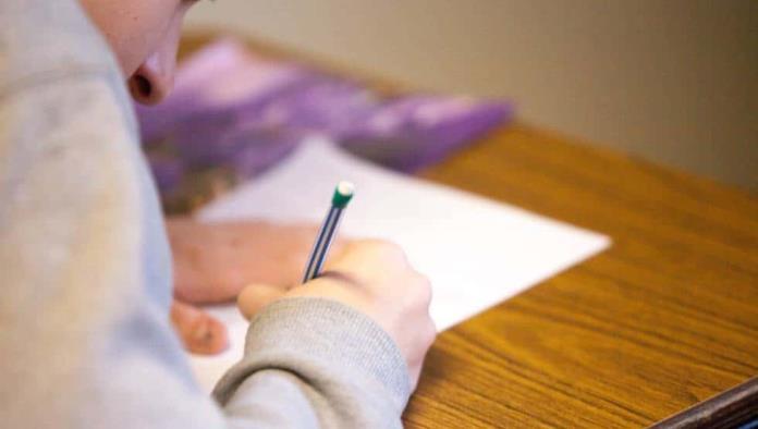 """Niño les escribe carta a sus abuelos fallecidos: """"¿Cómo es el infinito?"""", pregunta"""