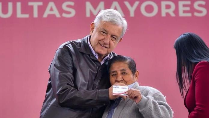 AMLO revela que aumentará pensión de adultos mayores