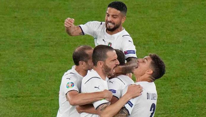 Golea Italia a Turquía