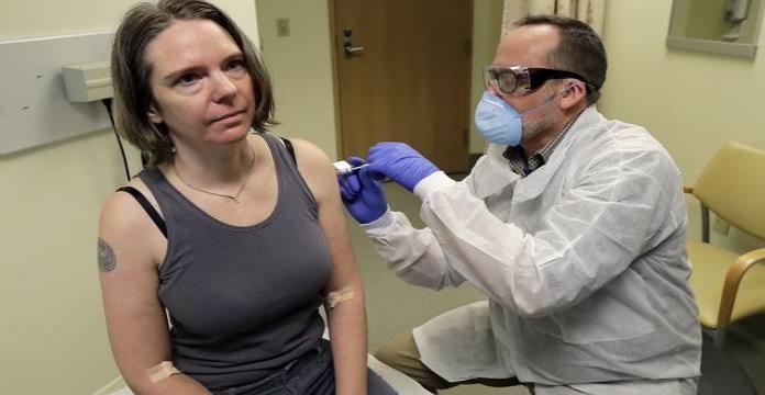 Texas prohibe que se exija vacuna para entrar a negocios