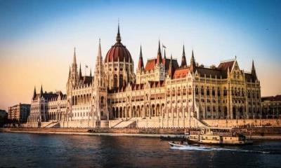 Hungría prohibe el contenido LGBT en las escuelas