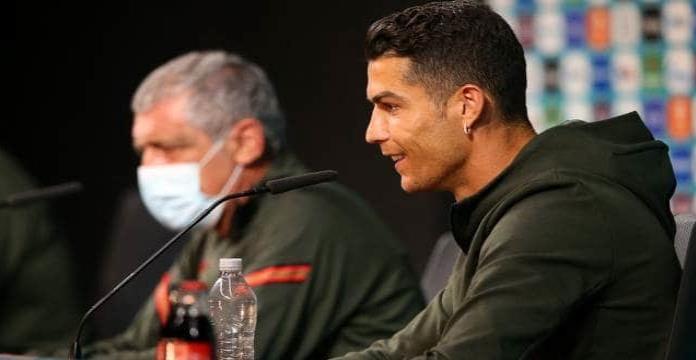 Cristiano Ronaldo le hace perder millones a Coca-Cola tras gesto en conferencia de prensa