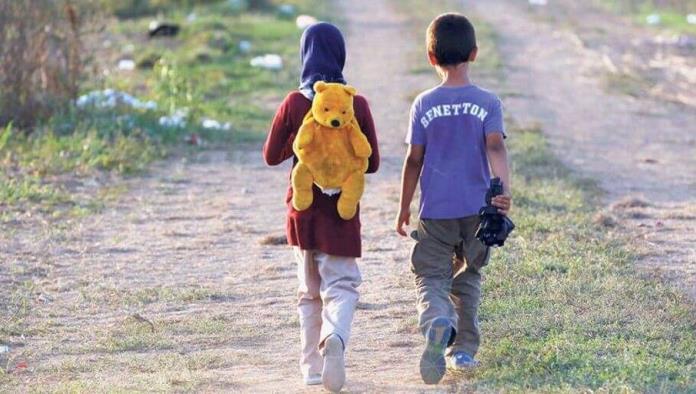 Niños migrantes sufren de ataques de pánico en los albergues