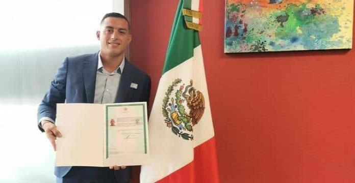 Rogelio Funes Mori recibe la nacionalidad mexicana