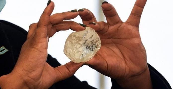 Botsuana: Encuentran el tercer diamante más grande del mundo