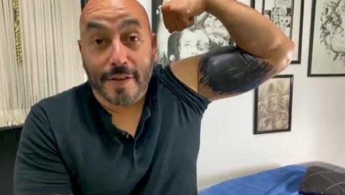 Tatuador de Lupillo Rivera revela cuánto le costó cubrir la cara de Belinda