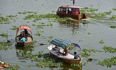 Ganga... la bebé milagro hallada flotando en caja en el río Ganges